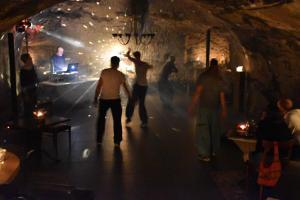 GrottenDisco 8.10.16